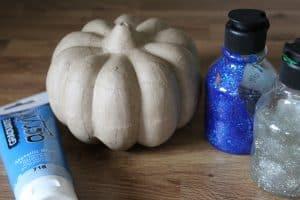 paint a teal pumpkin